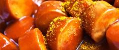 Currywurst in deutschen Kantinen